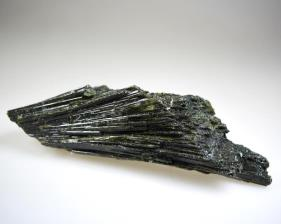 Epidote Crystal Cluster 13cm | Image 2