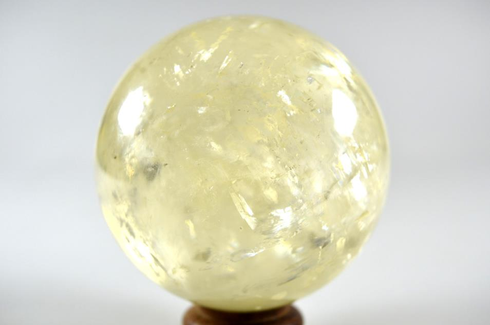 Optical Honey Calcite Sphere 8.3cm | Image 1